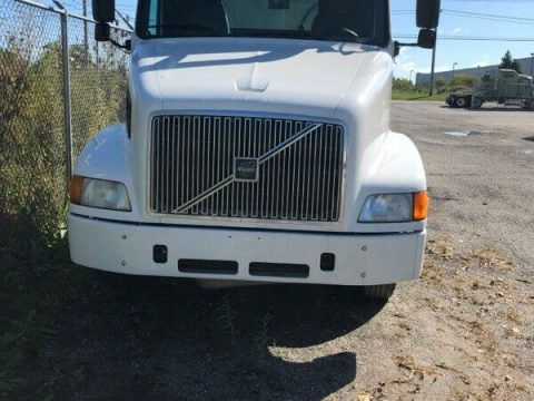 low miles 2003 Volvo truck for sale