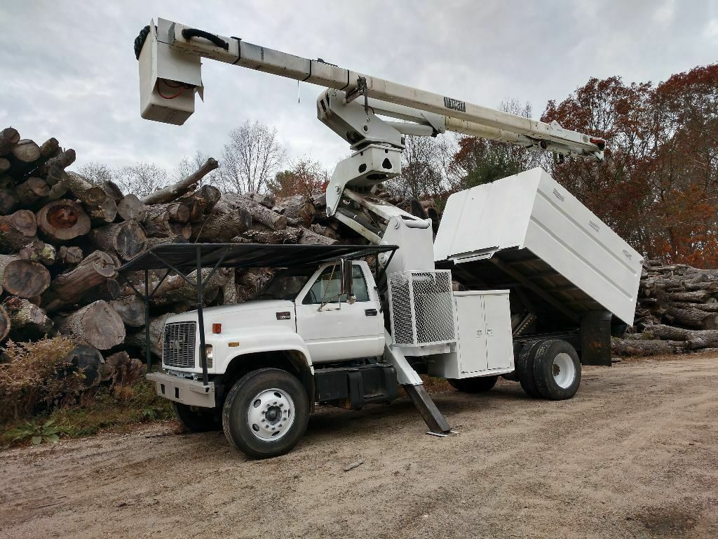ready for work 2002 GMC C8500 truck