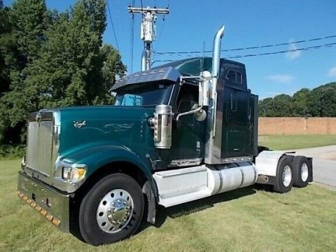 strong 2002 International 9900i EAGLE truck for sale