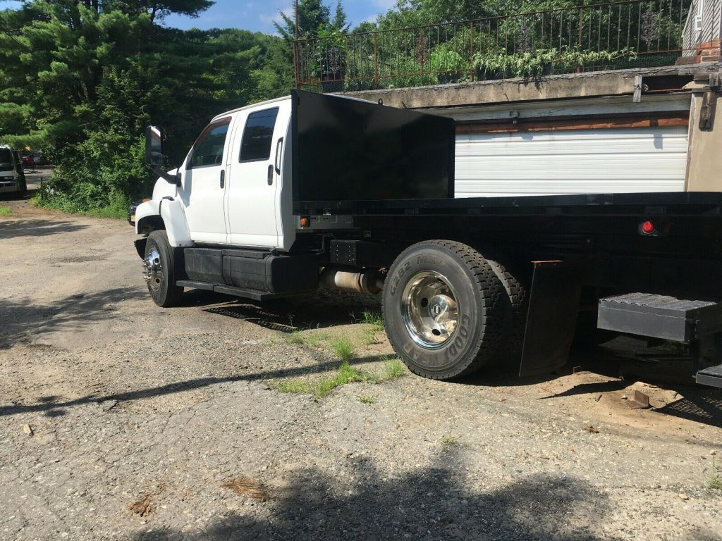 very solid 2003 GMC C6500 truck