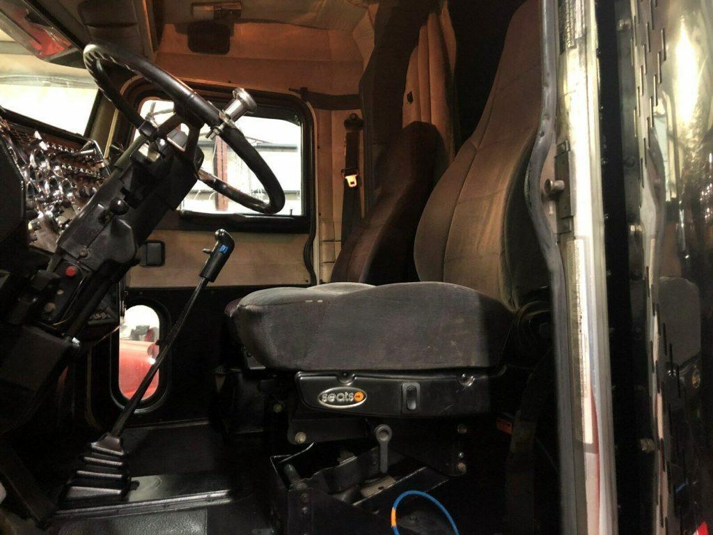 Extended Hood 1998 Peterbilt 379 truck