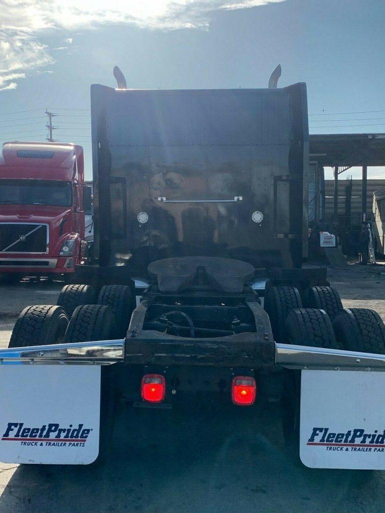 good shape 1989 Peterbilt 379 truck