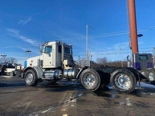 strong 2001 Peterbilt 378 truck