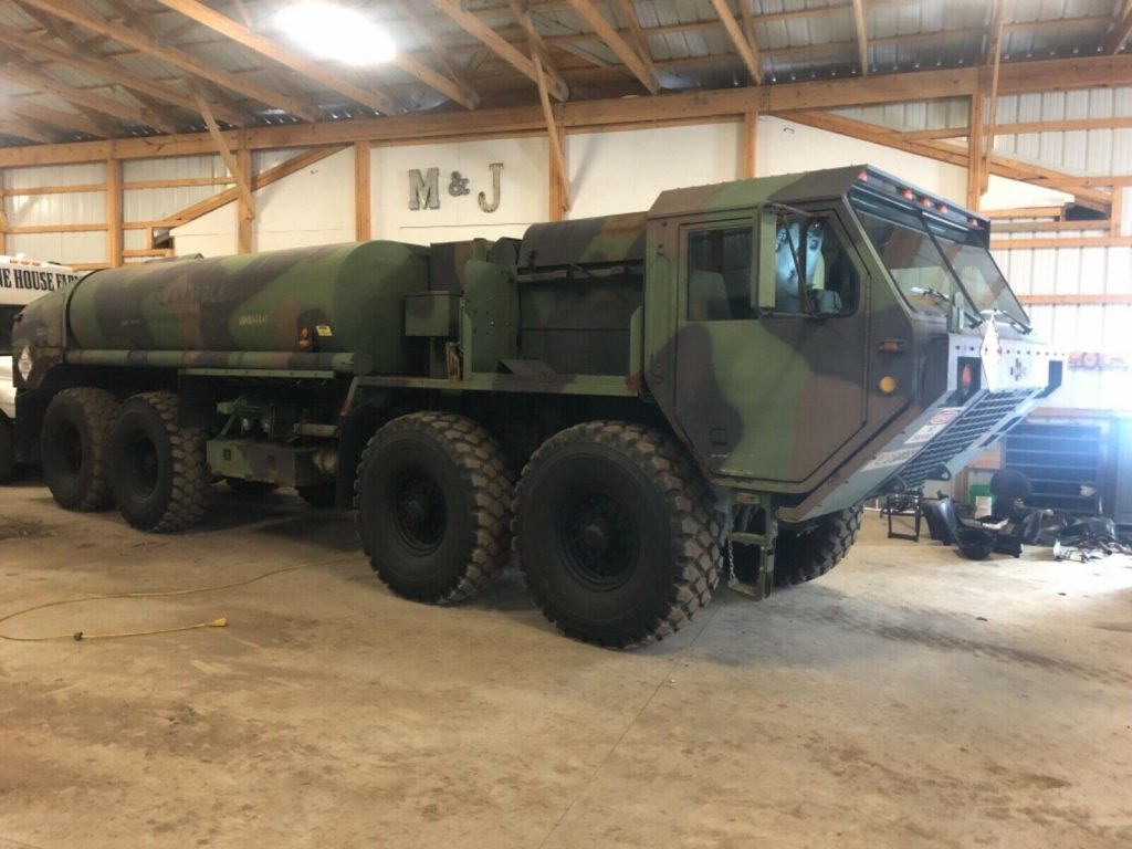 nice low miles 1995 Oshkosh M978 8×8 Military Tanker Truck