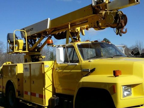 good running 1984 Ford F 800 Auger, Boom, Crane truck for sale