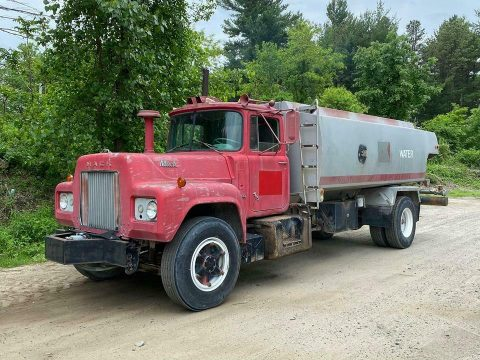 solid 1967 Mack R model truck for sale